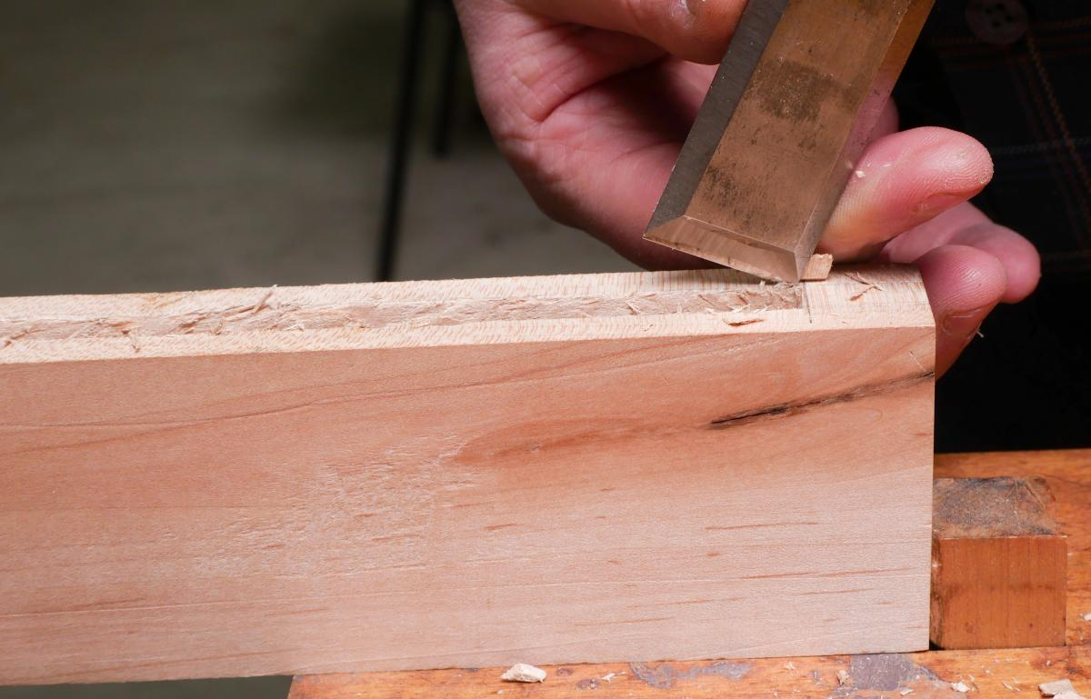 How to Cut a Groove in a Frame By Hand and Without a Plow Plane  9