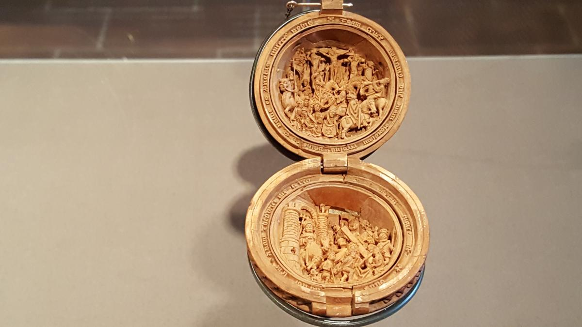 OMG  - 16th Century Boxwood Miniatures  PT1  - and other news  3
