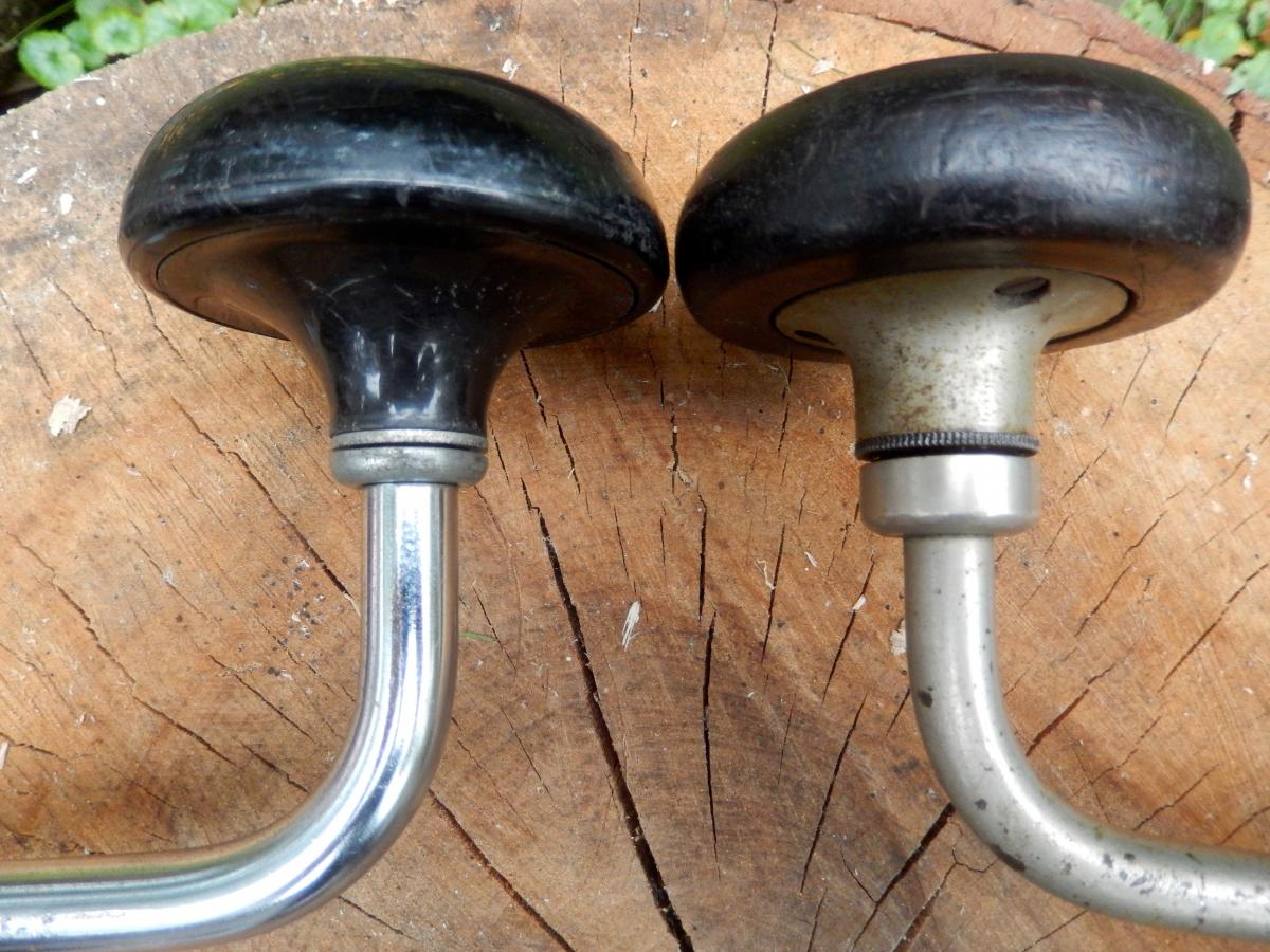 The brace on the left is newish. It has a ball thrust bearing encased in an inexpensive stamped steel clad. The older brace (right) has a milled clad and a high quality quill