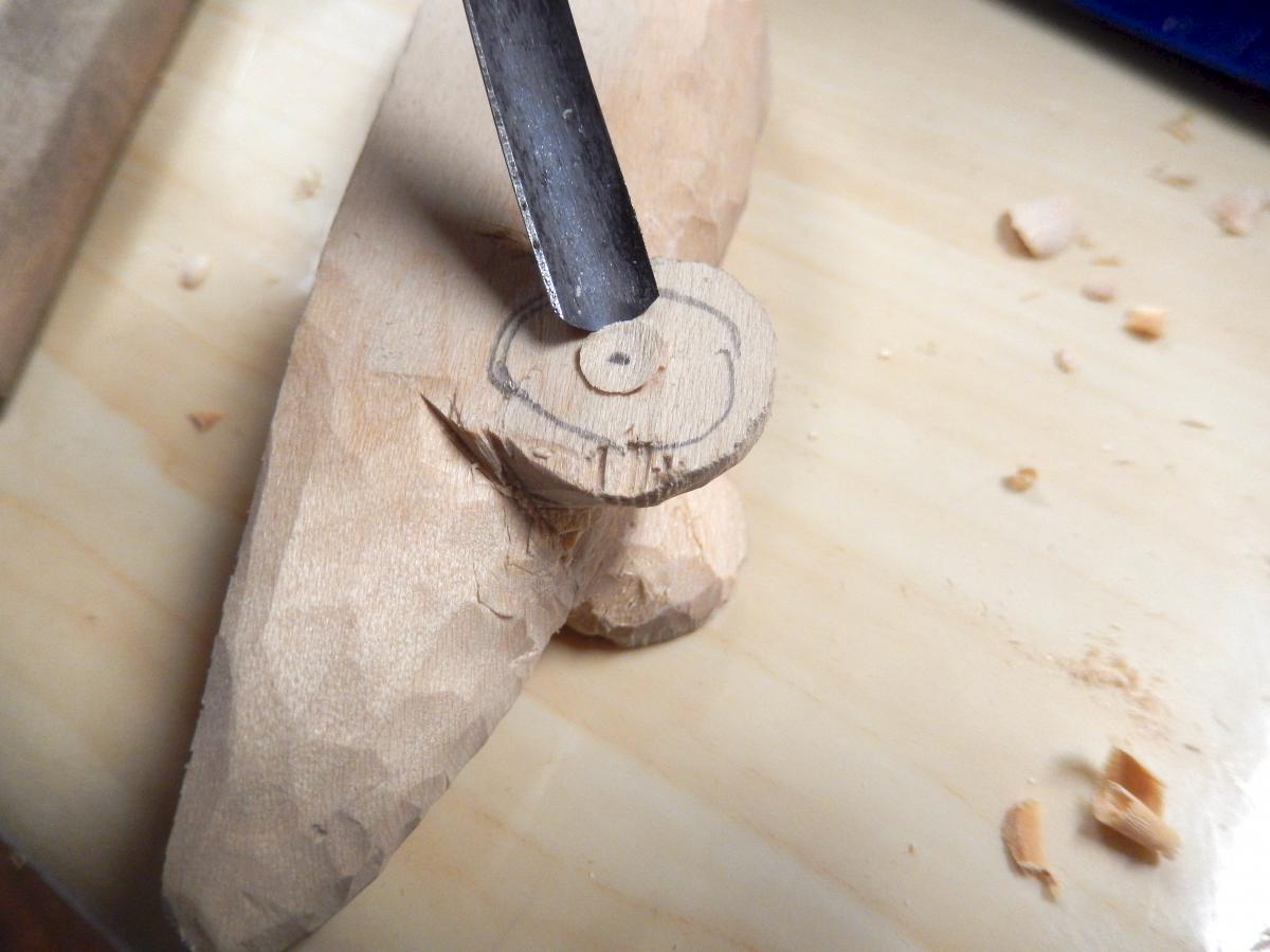 Carving a Mouse (The Teaching of Whittling This Fall - Continued pt3) 10