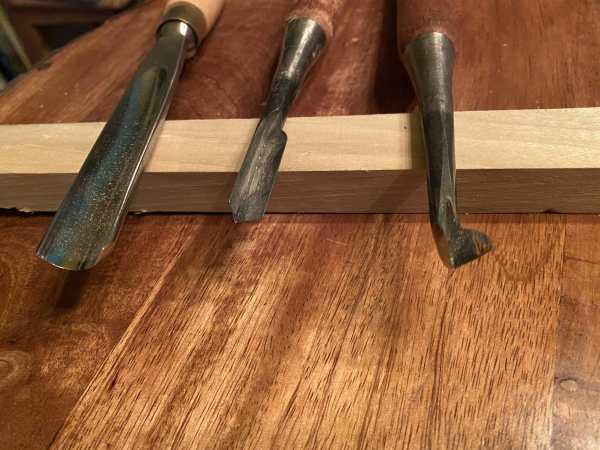 I tried an Ashley Iles gouge and some wider Japanese V-Tools