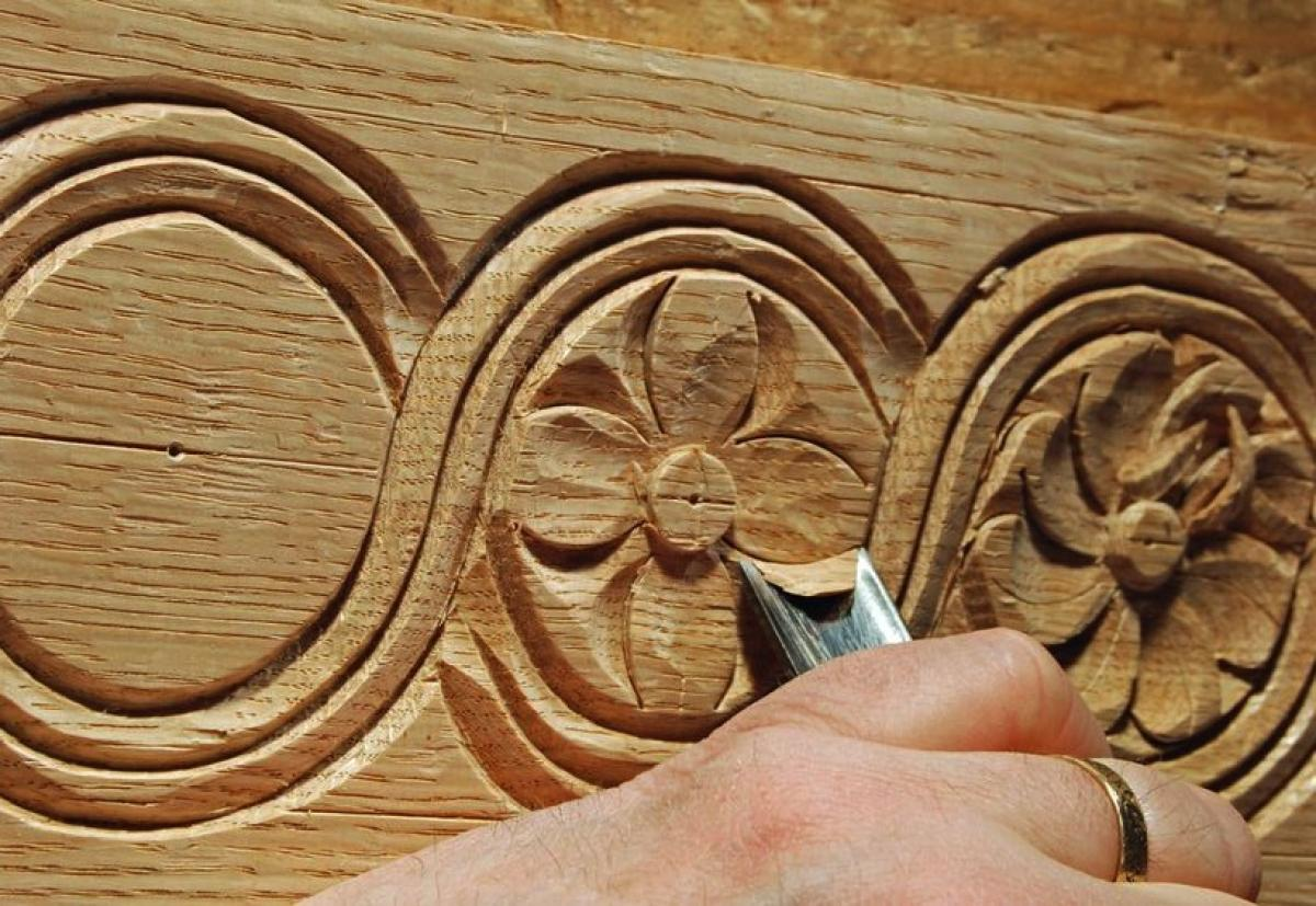 Introduction to relief wood carving with yasmin gur