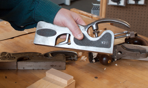 How to Hold an Adjustable Shoulder Plane 4