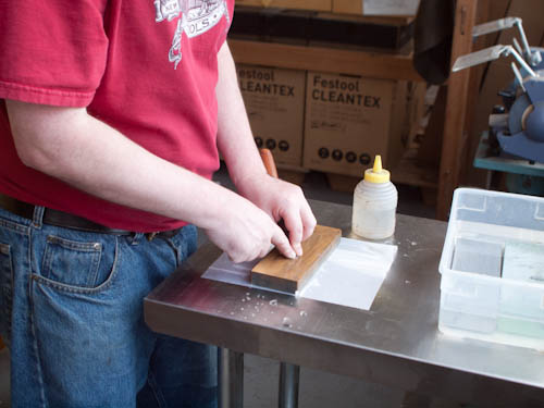 Secrets of Sharpening - The Wet Paper Towel 4