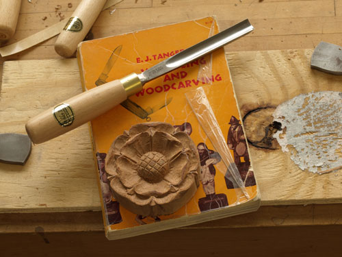 Carving a Tudor Rose 4