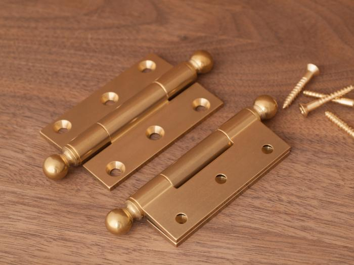 Brusso Brass Butt Hinge with Finials